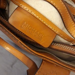 Micheal kors authentic handbag